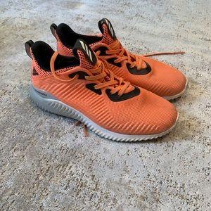 Orange AlphaBounce Adidas - Size 6